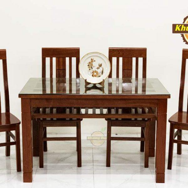 mẫu bàn ăn 4 ghế gỗ xoan đào tự nhiên