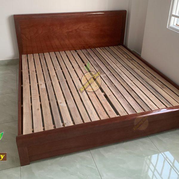 giường ngủ gỗ sát đất
